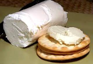 Козий сыр с лепешками